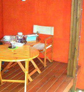 Ontbijt op de veranda van Secret Garden