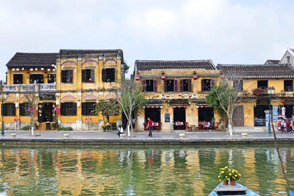 huizen langs water Hoi An
